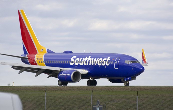 Southwest Airlines 737-700 N913WN at BWI airport from Wikimedia Commons